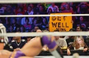 Female wrestling fan