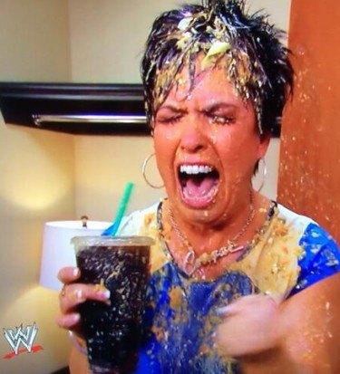 Stephanie vomit